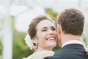 結婚式は白い歯で
